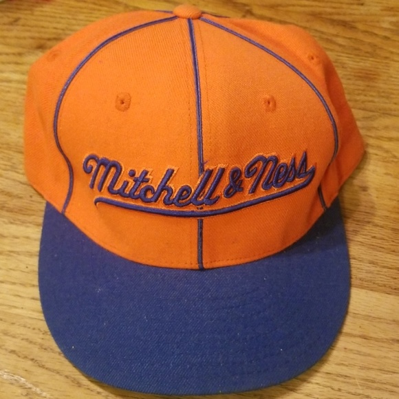 Mitchell & Ness Other - mitchell & ness cap